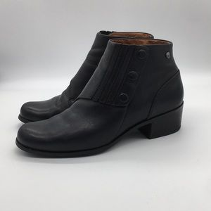 Ariat Black Leather Ankle Snap Button Booties